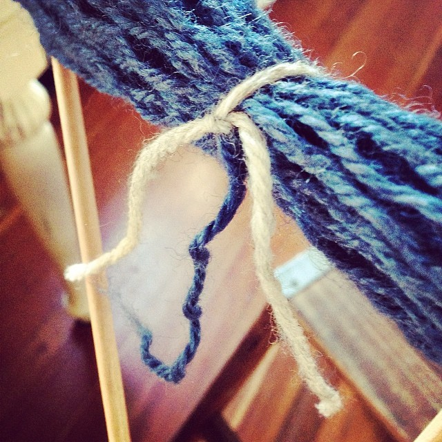 Chic Knits Knitting Tips: Recycling Yarn - How to Tie a Skein